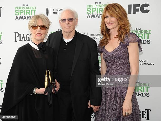 Andrea Beckett Bruce Dern and Laura Dern attend the 2014 Film Independent Spirit Awards at Santa Monica Beach on March 1 2014 in Santa Monica...