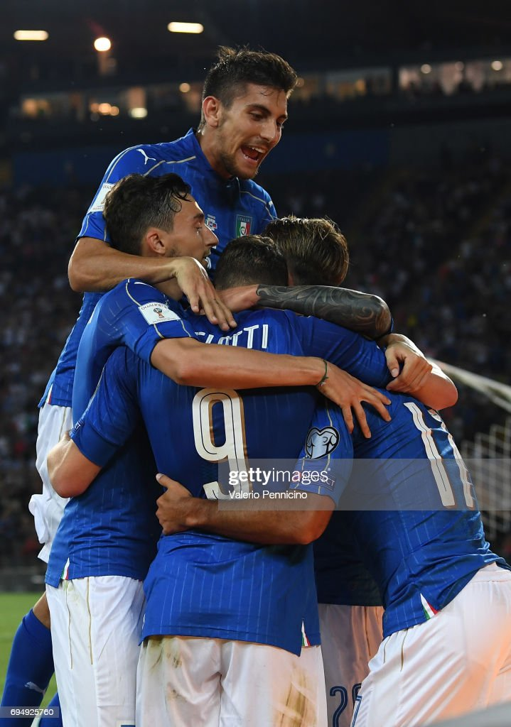 Andrea Belotti of Italy celebrates with team-mates after scoring the second goal during the FIFA 2018 World Cup Qualifier between Italy and Liechtenstein at Stadio Friuli on June 11, 2017 in Udine .
