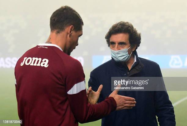Andrea Belotti of Torino FC shankes hands with Torino FC President Urbano Cairo during the Serie A match between US Sassuolo and Torino FC at Mapei...