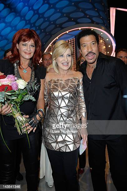 Andrea Berg Carmen Nebel and Lionel Richie during the Carmen Nebel Show at the Esperantohalle on April 28 2012 in Fulda Germany