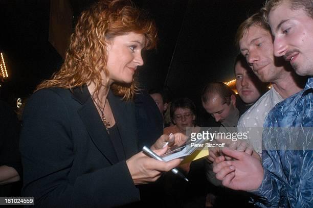 Andrea Berg Konzert Bremen 201003 Hansazelt Bremer Freimarkt Autogramm signieren Autogramme geben Autogramm geben schreiben Autogrammkarte Fans...