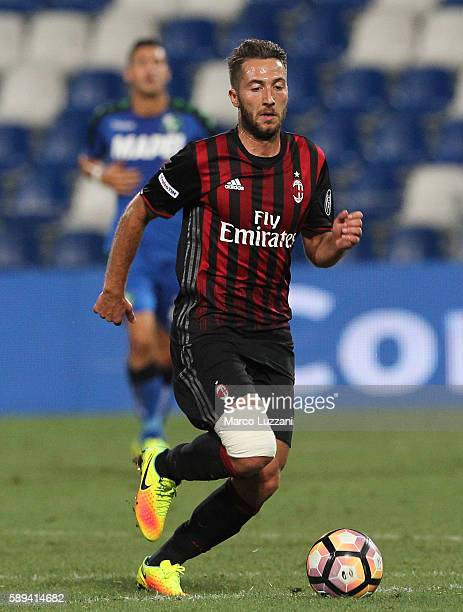 Andrea Bertolacci of AC Milan in action during the TIM Preseason Tournament at Mapei Stadium Citta' del Tricolore on August 10 2016 in Reggio...
