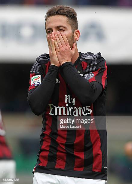 Andrea Bertolacci of AC Milan reacts to a missed chance during the Serie A match between AC Chievo Verona and AC Milan at Stadio Marc'Antonio...
