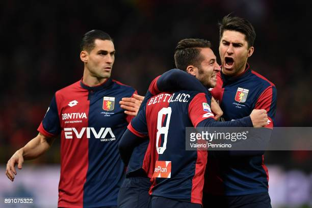 Andrea Bertolacci of Genoa CFC celebrates the opening goal with team mates during the Serie A match between Genoa CFC and Atalanta BC at Stadio Luigi...
