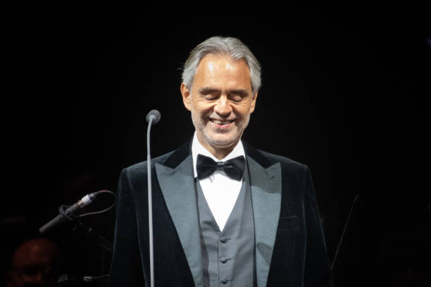 UNS: Andrea Bocelli To Sing Easter Sunday Service In Milan Duomo