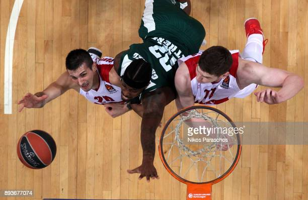 Andrea Cianciarini #20 of AX Armani Exchange Olimpia Milan competes with Kenny Gabriel #22 of Panathinaikos Superfoods Athens during the 2017/2018...