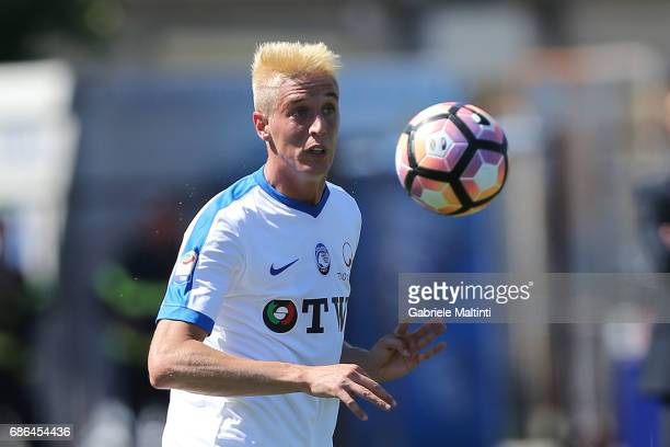 Andrea Conti of Atalana BC in action during the Serie A match between Empoli FC and Atalanta BC at Stadio Carlo Castellani on May 21 2017 in Empoli...