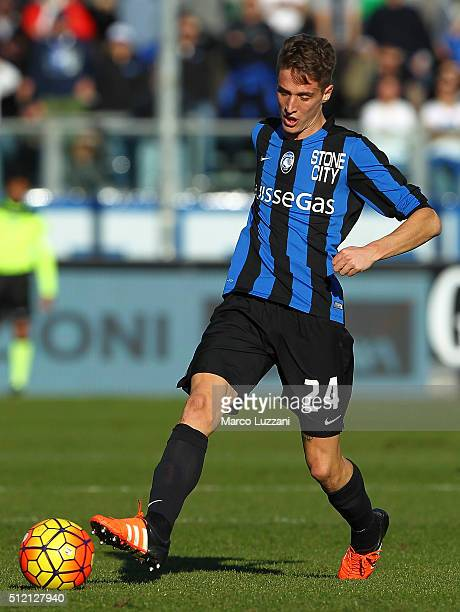 Andrea Conti of Atalanta BC in action during the Serie A match between Atalanta BC and ACF Fiorentina at Stadio Atleti Azzurri d'Italia on February...
