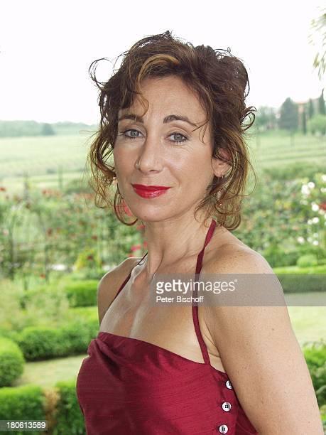 Andrea Eckert Schauspieler Portrait Porträt bei der ARD/ORFKrimiKomödie Der BestsellerMord auf italienisch Italien