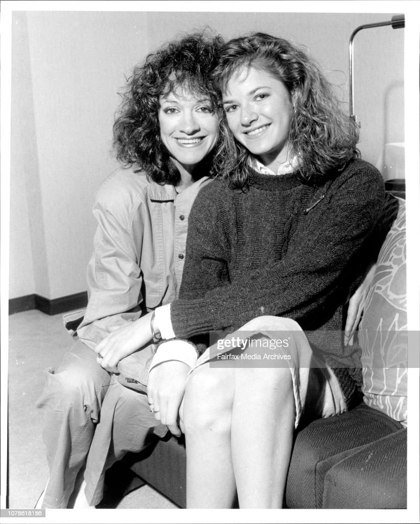 Andrea Elson Fotos andrea elson, star of alf with her mother elinor, regent