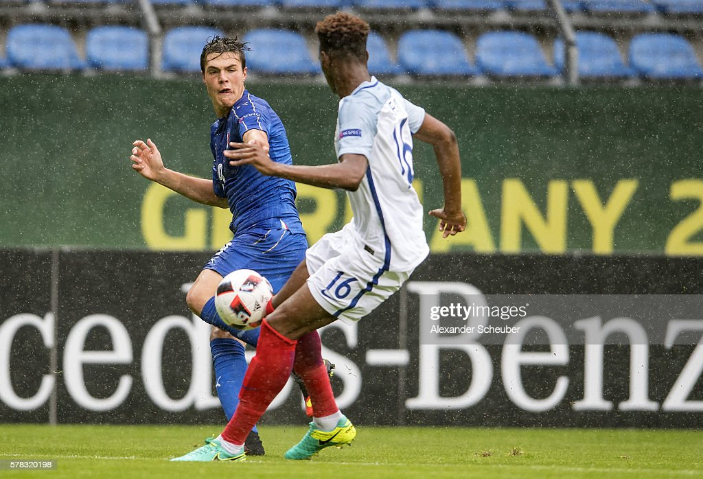 U19 England v U19 Italy - UEFA Under19 European Championship : News Photo