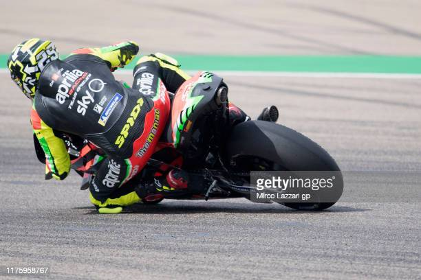 Andrea Iannone of Italy and Aprilia Racing Team Gresini rounds the bend during the MotoGp of Aragon Free Practice on September 20 2019 in Alcaniz...
