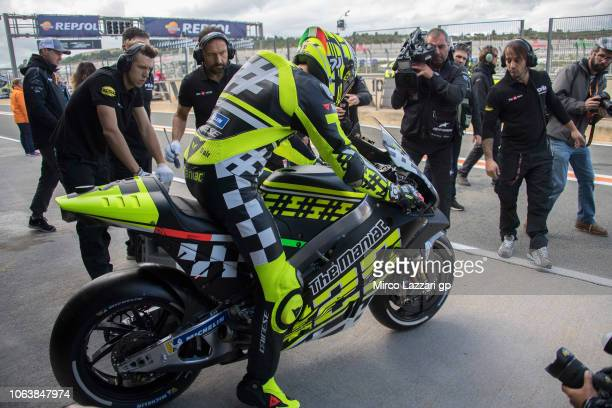 Andrea Iannone of Italy and Aprilia Racing Team Gresini starts from box during the MotoGP Tests In Valencia at Ricardo Tormo Circuit on November 20...