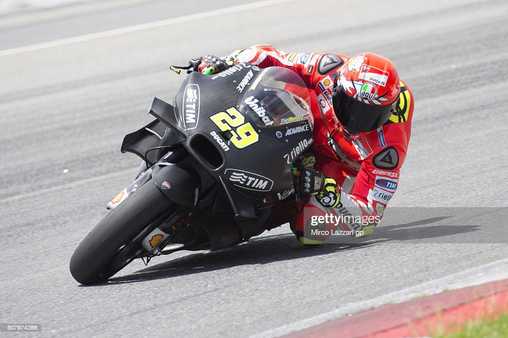 Andrea Iannone of Italy and Ducati Team rounds the bend during the MotoGP Tests In Sepang at Sepang Circuit on February 2, 2016 in Kuala Lumpur, Malaysia.
