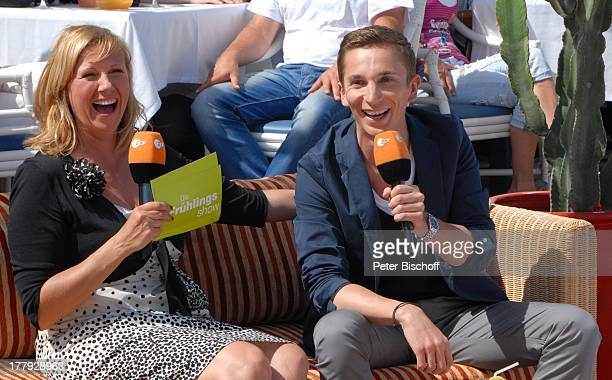 Andrea Kiwi Kiewel Eric Mayer ZDFShow Die Frühlingsshow Yachthafen Marina Rubic—n Terrasse Lanis Grill Playa Blanca Insel Lanzarote Kanarische Insel...