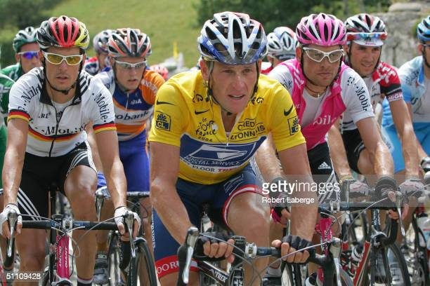 Andrea Kloden of Germany riding for the T-Mobile Team, Lance Armstrong of the USA riding for the US Postal team presented by Berry Floor , Jan...