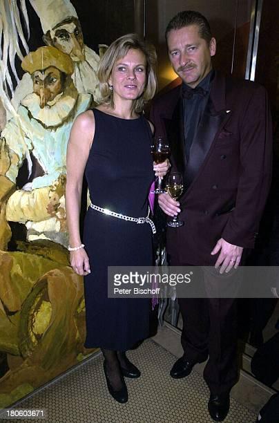 Andrea L` Arronge Ehemann Charly Reichenwallner Verleihung Deutscher Videopreis 2002 München Deutsches Theater Abendkleid Mann