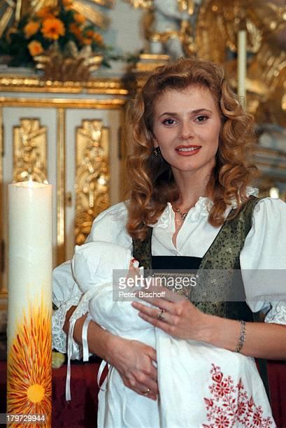 """Andrea Lamatsch, ZDF-Serie """"Schloßhotel;Ohrt"""", Gmunden, TV-Taufe,"""
