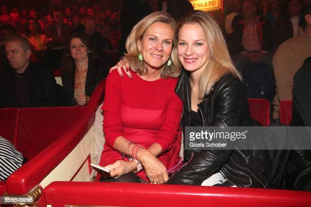 Andrea L'Arronge and her daughter Jessica Reichenwallner during the premiere of the Circus Roncalli '40 Jahre Reise zum Regenbogen' on October 7 2017...