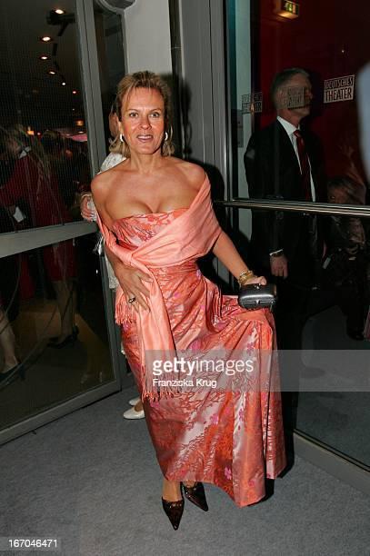 Andrea L'Arronge Bei Der Verleihung Des Deutschen Entertainment Award Diva Im Deutschen Theater In München Am 270105