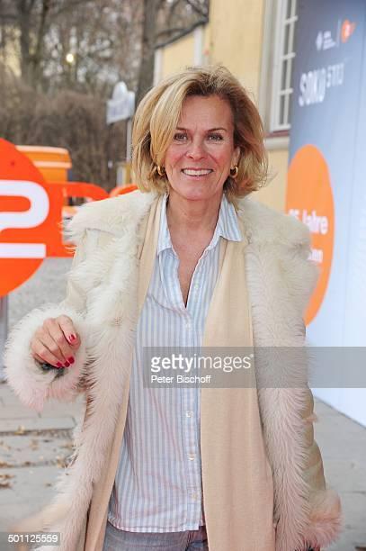 Andrea L'Arronge Feier zum 35jhrigen Jubilum der ZDFKrimiSerie 'SOKO 5113' Park Caf Mnchen Bayern Deutschland Europa Roter Teppich Logo...