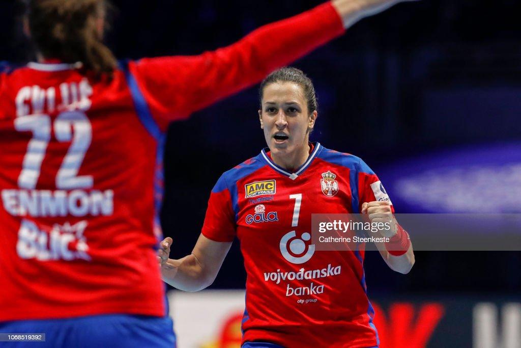 Denmark v Serbia - EHF Women's Euro 2018 : Photo d'actualité