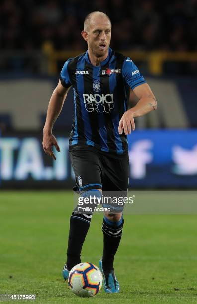 Andrea Masiello of Atalanta BC in action during the TIM Cup match between Atalanta BC and ACF Fiorentina at Stadio Atleti Azzurri d'Italia on April...