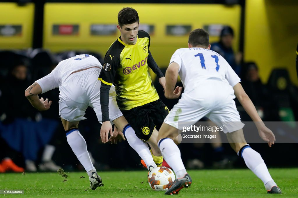 Andrea Masiello of Atalanta, Christian Pulisic of Borussia Dortmund, Remo Freuler of Atalanta during the UEFA Europa League match between Borussia Dortmund v Atalanta Bergamo at the Signal Iduna Park on February 15, 2018 in Dortmund Germany