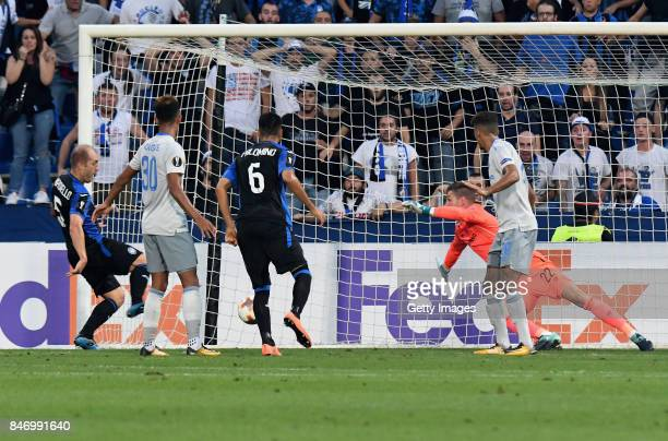 Andrea Masiello of Atalanta scores the opening goal during the UEFA Europa League group E match between Atalanta and Everton FC at Stadio Citta del...