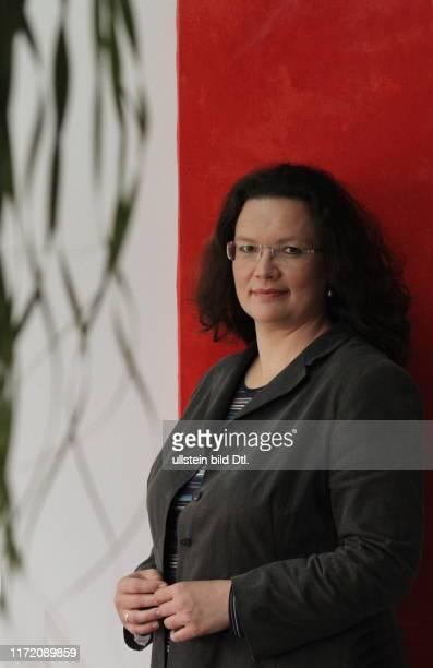 Andrea Nahles SPD Generalsekretärin in ihrem Büro im Willy Brandt Haus Berlin
