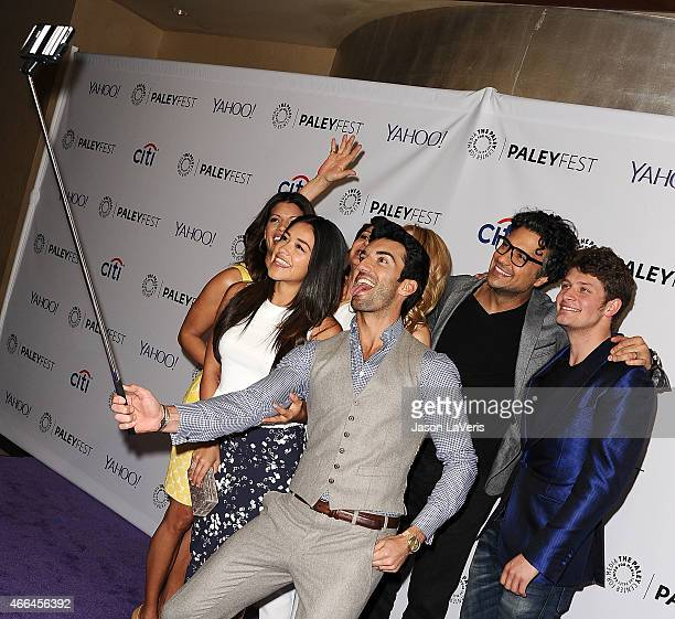 Andrea Navedo Gina Rodriguez Justin Baldoni Jaime Camil and Brett Dier take a selfie during the Jane The Virgin event at the 32nd annual PaleyFest at...