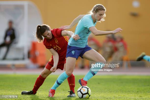 Andrea Pereira Cejudo of Spain Women Vivianne Miedema of Holland Women during the Algarve Cup Women match between Spain v Holland at the Estadio...