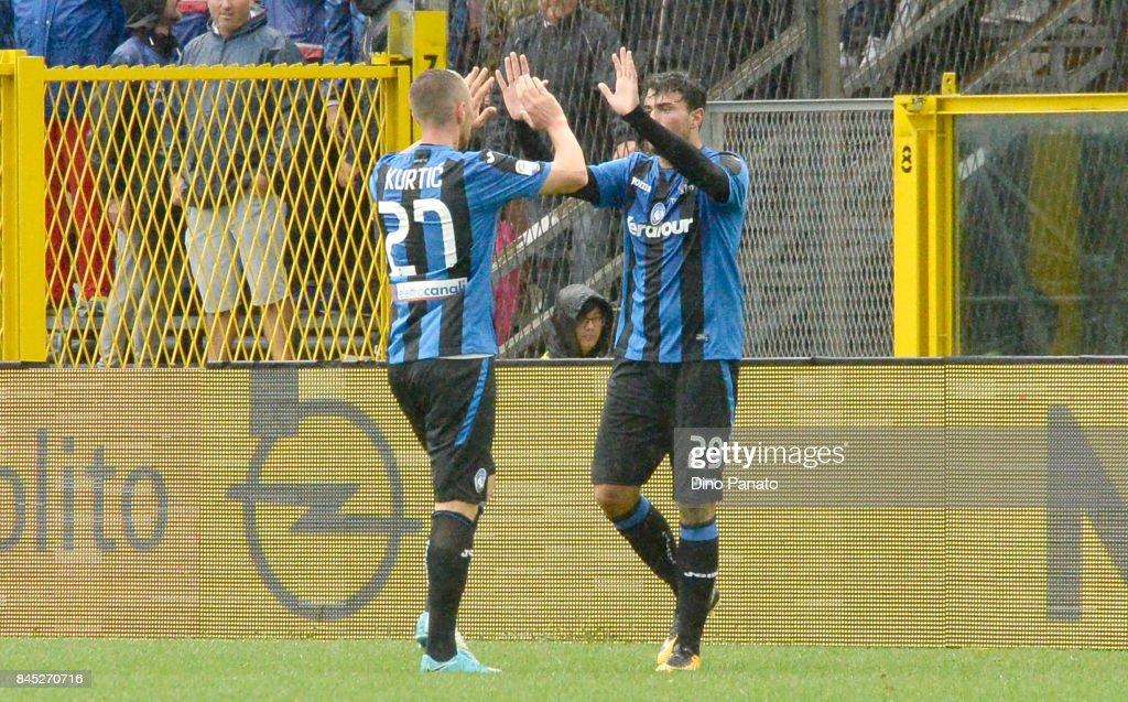 Andrea Petagna of Atalanta BC ceebrates after scoring his team's second goal during the Serie A match between Atalanta BC and US Sassuolo at Stadio Atleti Azzurri d'Italia on September 10, 2017 in Bergamo, Italy.