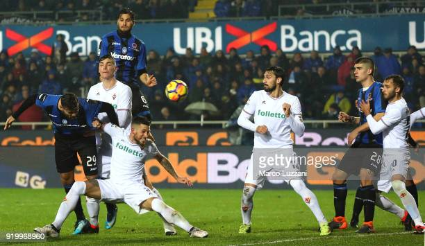 Andrea Petagna of Atalanta BC scores his goal during the serie A match between Atalanta BC and ACF Fiorentina at Stadio Atleti Azzurri d'Italia on...