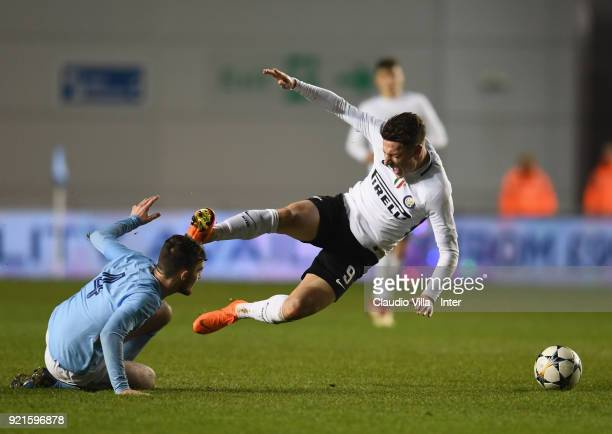 Andrea Pinamonti of FC Internazionale andEd Francis of Manchester City compete for the ball during the UEFA Youth League match between Manchester...