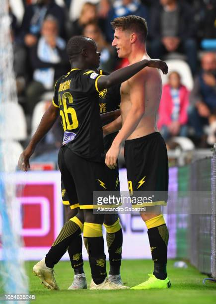 Andrea Pinamonti of Frosinone Calcio celebrates after scoring his team third goal during the Serie A match between SPAL and Frosinone Calcio at...