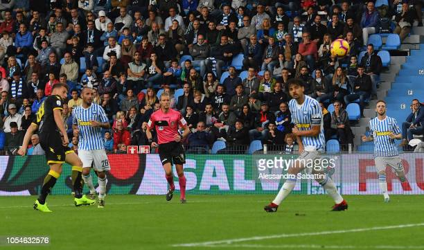 Andrea Pinamonti of Frosinone Calcio scores the03 goal during the Serie A match between SPAL and Frosinone Calcio at Stadio Paolo Mazza on October 28...