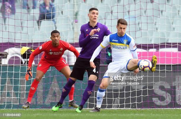 Andrea Pinamonti of Frosinone Calcio stop the ball during the Serie A match between ACF Fiorentina and Frosinone Calcio at Stadio Artemio Franchi on...