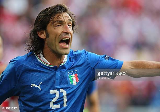 Andrea Pirlo rufend Sport Fußball Fussball EM Europameisterschaft Euro 2012 Saison 2011 Italien vs Kroatien Croatia Nationalmannschaft Portrait...
