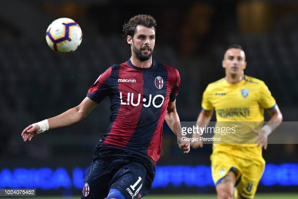Andrea Poli of Bologna FC controls the ball during the serie A match between Frosinone Calcio and Bologna FC at Olimpico Stadium on August 26 2018 in...