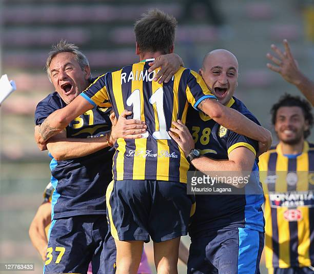 Andrea Raimondi of Juve Stabia celebrates the winning goal during the Serie B match between Reggina Calcio anad SS Juve Stabia at Stadio Oreste...