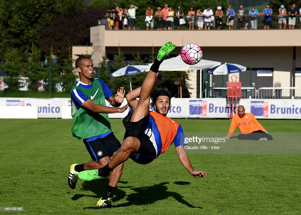 Andrea Ranocchia (R) in action during a FC Internazionale training session on August 6, 2015 in Bruneck, Italy.