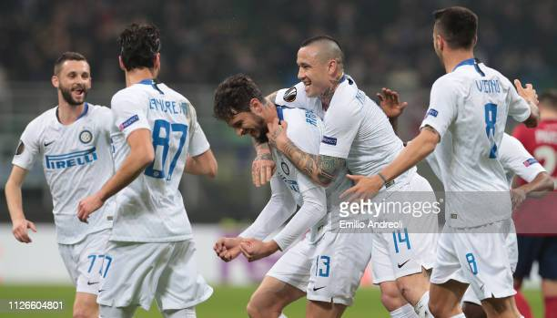 Andrea Ranocchia of FC Internazionale celebrates his goal with his teammate Radja Nainggolan during the UEFA Europa League Round of 32 Second Leg...