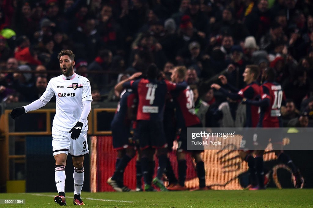 Andrea Rigoni of Palermo shows his dejection after Genoa's third goal during the Serie A match between Genoa CFC and US Citta di Palermo at Stadio Luigi Ferraris on December 18, 2016 in Genoa, Italy.