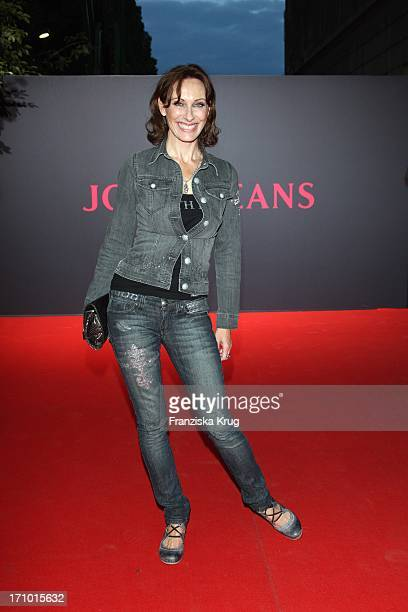 Andrea Sawatzki Bei Der Joop Jeans Modenschau Bei Der Mercedes Benz Fashionweek 2008 Im Kubus In Berlin