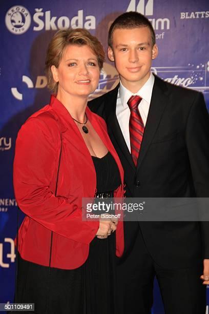 Andrea Spatzek Sohn Alexander CharityVeranstaltung 17 'UnescoBenefizGala' 2009 Hotel 'Maritim' Düsseldorf NordrheinWestfalen Deutschland Europa...