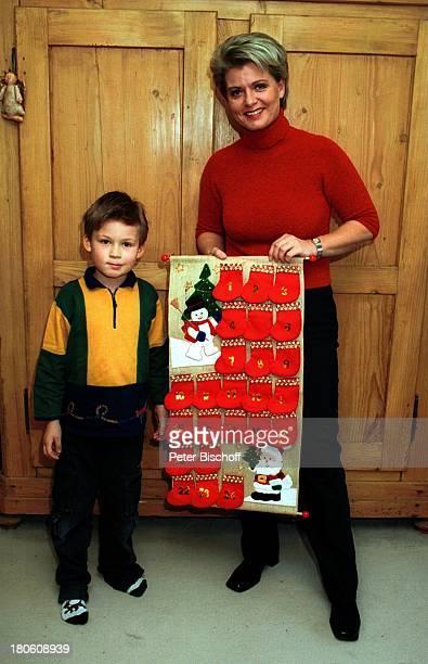 Andrea Spatzek Sohn Alexander Homestory Köln WeihnachtsVorbereitungen WeihnachtsSchmuck Wohnzimmer AdventsKalender