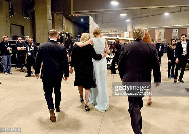 Andrea Swift and honoree Taylor Swift attend the 50th Academy of Country Music Awards at ATT Stadium on April 19 2015 in Arlington Texas