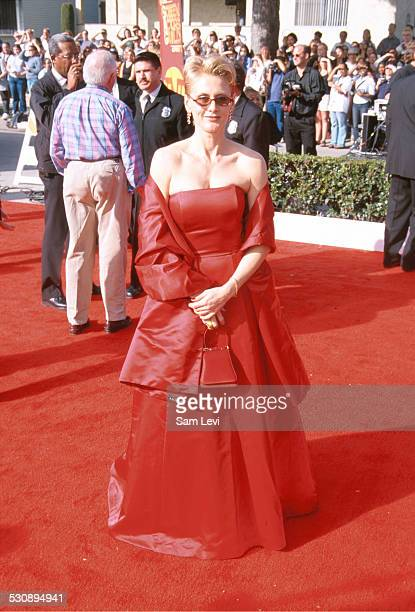 Andrea Thompson during The 6th Annual Screen Actors Guild Awards at Shrine Auditorium in Los Angeles California United States