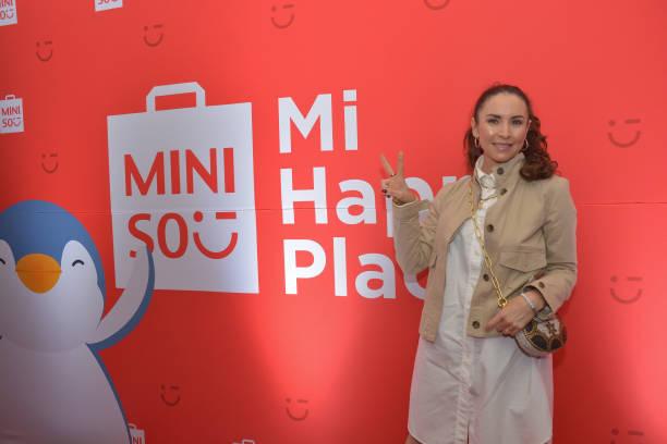 MEX: Muniso New Store Opening - Red Carpet